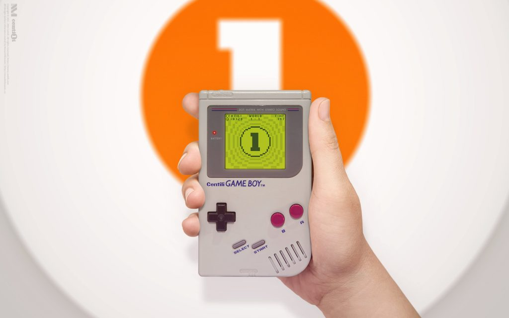 OMG \(^▽^)/ it's the Game Boy! Wait, what?! CENTILI GAMEBOY? Dafuk? (⊙_⊙)